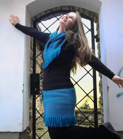 háčkovaná souprava sukně s nákčníkem